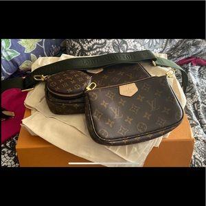 AUTHENTIC LV Crossbody purse